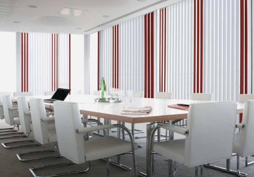 Persiana vertical estores y venecianas mobiliario de for Estores para oficinas
