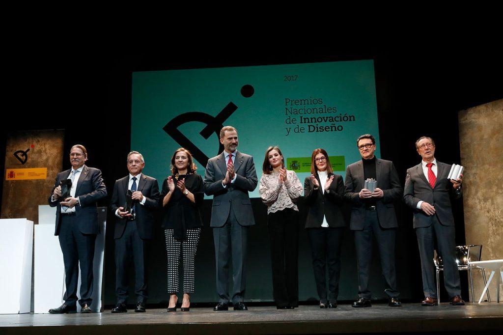 actiu recibe el premio nacional de diseno de mano de los reyes gallery 1 1024x682 - Premio Nacional de Diseño a Actiu